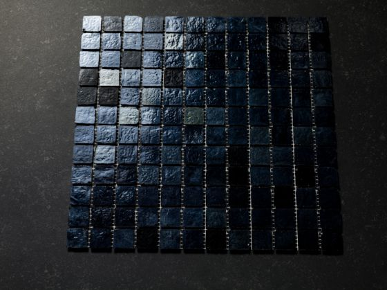 Mozaïek zwart zilver iridiserend tegelgemak